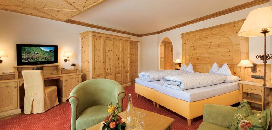 Austria_Alpbach_Romantik_Hotel_Boglerhof_bedroom.jpg